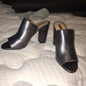 Tahari sparkly heels